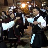 Πολύ καλή η παρουσία των χορευτικών του Πολιτιστικού Συλλόγου Γρεβενιωτών Κοζάνης «Ο Αιμιλιανός»! Βίντεο