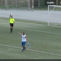 Ο διαιτητής τον έβαλε να βαρέσει τρεις φορές το πέναλτι και μετά τον απέβαλε! Βίντεο…