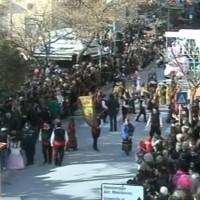 Η μεγάλη παρέλαση στην οδό Παύλου Μελά και η κορύφωση της Κοζανίτικης Αποκριάς 2014 – Βίντεο