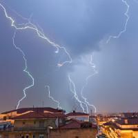 Μετά τον ανοιξιάτικο καιρό, σφοδρή κακοκαιρία με βροχές και καταιγίδες από τα μέσα της εβδομάδας στην Κοζάνη!