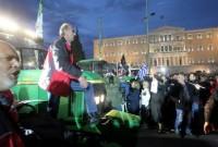 Αγρότες στην Αθήνα: «Βουλιάζει» το Σύνταγμα από τρακτέρ! Πρωτόγνωρες εικόνες στην καρδιά της Αθήνας!
