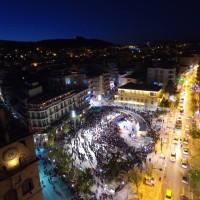 Η φωτογραφία της ημέρας: Γιορτή της νέας πλατείας Κοζάνης