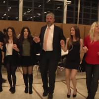 Βίντεο: 30 χρόνια Σύλλογος Ποντίων Λάουφ Γερμανίας με τον Γερμανό Αντιδήμαρχο να χορεύει ποντιακά!