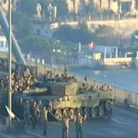 Τουρκία: Ηττήθηκαν οι στασιαστές! 1.563 στρατιωτικοί συνελήφθησαν, 60 νεκροί τη νύχτα