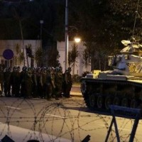 Πραξικόπημα στην Τουρκία: Στρατός και άρματα μάχης στους δρόμους!