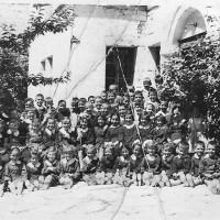 Η φωτογραφία της ημέρας: Καλή σχολική χρονιά με μια φωτογραφία του 1957 από το μοναδικό νηπιαγωγείο τότε στην Κοζάνη