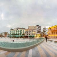 Η φωτογραφία της ημέρας: Μια πανοραμική άποψη της κεντρικής πλατείας της Κοζάνης