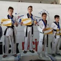 Με 14 μετάλλια επέστρεψαν οι αθλητές της Μακεδονικής Δύναμης Κοζάνης από το 3ο Προκριματικό Πρωτάθλημα Taekwondo της ΕΤΑΒΕ