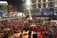 Χριστουγεννιάτικη ατμόσφαιρα στην Κοζάνη! Δείτε το βίντεο από το άναμμα του δέντρου και τη μεγάλη συναυλία στην κεντρική πλατεία