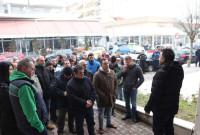 Διαμαρτυρία αγροτών της Δυτικής Μακεδονίας στον ΕΛΓΑ Κοζάνης για τις καθυστερήσεις των αποζημιώσεων