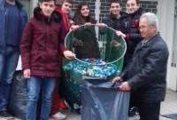 Συνεχίζονται οι παραδόσεις πλαστικών καπακιών από την Τ.Κ. Αγίου Δημητρίου στον Σύλλογο Ατόμων με Αναπηρία Κοζάνης