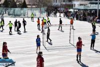 Street handball στην κεντρική πλατεία Κοζάνης με πολλούς μαθητές και τον Δήμαρχο Κοζάνης – Δείτε φωτογραφίες