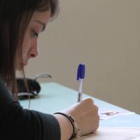 Πανελλήνιες εξετάσεις 2017: Εκτοξεύονται οι βάσεις – Μειώνονται οι θέσεις