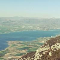 Μαγευτική θέα στη λίμνη Πολυφύτου από τον Άγιο Χριστόφορο Προσηλίου – Δείτε τις φωτογραφίες του Γιάννη Τσιομπάνου