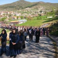 Στο Δρυόβουνο η αναπαράσταση της Αποκαθήλωσης του Εσταυρωμένου – Δείτε βίντεο και φωτογραφίες