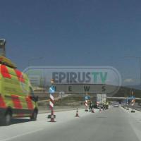 Απίστευτο ατύχημα στην Εγνατία – Λάστιχο έσκασε στο πρόσωπο οδηγού νταλίκας!