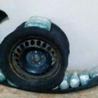 Φλώρινα: Έκρυψαν 9 κιλά κάνναβης στη ρεζέρβα αυτοκινήτου! Τρεις συλλήψεις – Δείτε βίντεο και φωτογραφίες