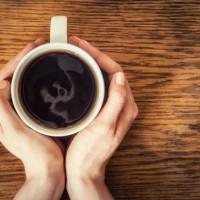 Αν νιώσετε αυτά τότε πίνετε πολλούς καφέδες – Δείτε τα συμπτώματα από υπερβολική καφεΐνη