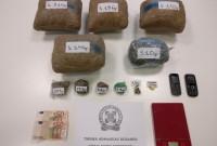 Συλλήψεις για διακίνηση ναρκωτικών στην Κοζάνη – 5 κιλά χασίς και κοκαΐνη στο σπίτι του ενός – Δείτε φωτογραφία
