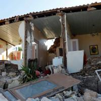 Σβήστηκε από τον χάρτη το χωριό Βρίσα από τον καταστροφικό σεισμό –  Συγκλονιστικό βίντεο με την στάθμη της θάλασσας – Θρήνος για την 43χρονη μητέρα δυο παιδιών