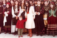 Παολίνα – Φροσσίτα: Στιγμές από τη ζωή μιας περσόνας αλλιώτικης στην Κοζάνη – Δείτε το βίντεο