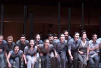Αποθεώθηκε η θεατρική ομάδα Νέων του ΔΗ.ΠΕ.ΘΕ. Κοζάνης στην πρεμιέρα της παράστασης «Και άλλαξε το δέρμα της η γη» στην Αθήνα