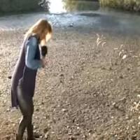 Η λίμνη της Καστοριάς… «κατάπιε» δημοσιογράφο του ΣΚΑΪ σε ζωντανή σύνδεση! Δείτε το βίντεο