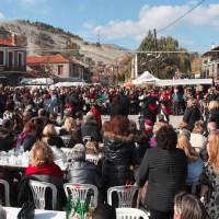 Επιτυχημένο και φέτος το 12ο Καστανοπάζαρο στον Πενταλόφο Βοΐου – Δείτε βίντεο και φωτογραφίες
