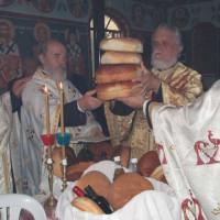 Με ψαλμούς, ύμνους και πνευματικές ωδές πανηγύρισε το Εξωκλήσι του Αγίου Νεκταρίου Λευκάρων