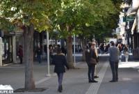 Με ικανοποιητική κίνηση και μεγάλες προσφορές ξεκίνησαν οι εκπτώσεις στην αγορά της Κοζάνης