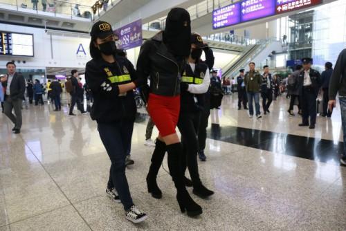 19χρονη Ελληνίδα μοντέλο συνελήφθη με κοκαΐνη στο Χονγκ Κονγκ και κινδυνεύει με ισόβια! Δείτε όλο το χρονικό της υπόθεσης