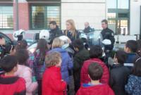 Επίσκεψη στο Αστυνομικό Μέγαρο Κοζάνης από μαθητές του 12ου Δημοτικού Σχολείου και παιδιά του Κέντρου Δημιουργικής Απασχόλησης Παιδιών με Αναπηρία