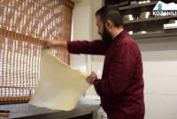 Κοζάνη: Η τέχνη της χειροποίητης μπουγάτσας από τον σεφ Χρήστο Γανίτη – Δείτε το βίντεο