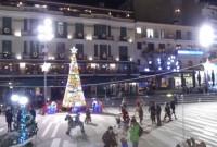 Νυχτερινή Χριστουγεννιάτικη βόλτα στο κέντρο της Κοζάνης! Δείτε το βίντεο