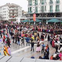 Χόρεψαν τα παιδικά τμήματα Συλλόγων και Φανών της Κοζάνης – Δείτε βίντεο και φωτογραφίες