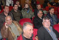 Έντονη διαμαρτυρία κατοίκων του Φρουρίου στο Δημοτικό Συμβούλιο Σερβίων-Βελβεντού για την ακαταλληλότητα του νερού