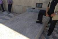 Ο συνδικαλιστής της ΔΕΗ που πατάει στο κενοτάφιο του Άγνωστου Στρατιώτη και προκαλεί αντιδράσεις