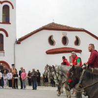 Οι καβαλάρηδες Ελάτης στο μοναστήρι του Αγίου Νικάνορα στη Ζάβορδα – Δείτε το βίντεο