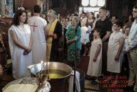 Τετραμελής οικογένεια μεταναστών στο Βελβεντό βαπτίστηκαν ορθόδοξοι χριστιανοί