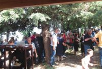 Όμορφη πανήγυρη στο Εξωκλήσι της Αγίας Κυριακής Σκούλιαρης – Ενισχύουν την ελπίδα νέοι γονείς και εθελοντές εκκλησάρηδες