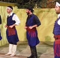Οι Κρήτες της Κοζάνης στην Κοζανίτικη Αποκριά ξεσήκωσαν τον κόσμο με τα χορευτικά τους! Θαυμάστε τους…