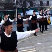 Δείτε τα χορευτικά του Πολιτιστικού Συλλόγου Κάτω Κώμης στην κεντρική πλατεία Κοζάνης – Βίντεο
