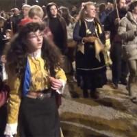 Περισσότερο κόσμο από κάθε άλλη χρονιά στον Φανό «Κρεβατάκια»! Δείτε το βίντεο…