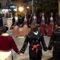 Τα Χορευτικά Τμήματα του Συλλόγου Λευκόβρυσης στην κεντρική πλατεία Κοζάνης – Δείτε τα…