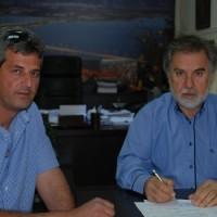 Δήμος Σερβίων – Βελβεντού: Υπογραφή σύμβασης για γήπεδο 5Χ5 στο Μικρόβαλτο