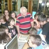 Ξενάγηση μικρών φίλων στη Βιβλιοθήκη Σιάτιστας