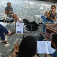 Ήχοι παραδοσιακής και μεσογειακής μουσικής στην Κεντρική Πλατεία Σερβίων