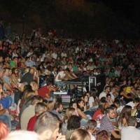Μικρό το Υπαίθριο Θέατρο Σερβίων για τον μεγάλο Ορφέα Περίδη! Βίντεο