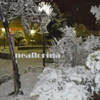 Το πρώτο χιόνι στην πόλη της Φλώρινας – Δείτε φωτογραφίες και βίντεο