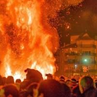 Το έθιμο των «φωτιών» στην Φλώρινα στις 23 Δεκεμβρίου πλησιάζει!